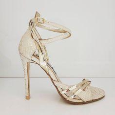 Diana T. Νυφικά Παπούτσια www.gamosorganosi.gr Bridal Shoes, Footwear, Heels, Wedding, Fashion, Shoes Sandals, Bride Shoes Flats, Heel, Valentines Day Weddings