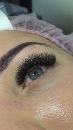 Eyelash Extensions Styles, Volume Lash Extensions, Perfect Eyelashes, Lash Growth, Types Of Curls, Volume Lashes, Makeup Trends, Face And Body, Brows