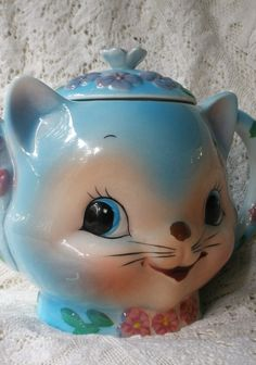 Kitty Cat TeaPot . Vintage 1950s by Chase Japan. Miss Priss Look a like . Adorable. $65.00, via Etsy.