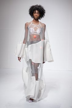 Pratt Institute Graduate Fashion Show 2014 Runway Fashion, Fashion Art, High Fashion, Fashion Show, Womens Fashion, Fashion Design, Fashion Trends, Essentiels Mode, Lingerie Look