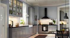 Kochfeld, Spüle und Arbeitsflächen sollten gut ausgeleuchtet sein. LED-Spots zum Kleben (gibt es von Osram) sind eine praktische…