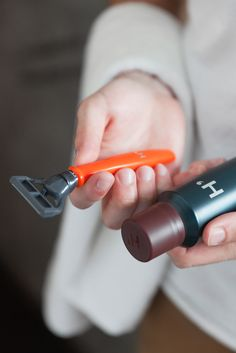 Find Out Why So Many Guys are Loving This Orange Razor