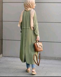 18 Trendy Ideas For Dress Long Summer Maxi Stylists Casual Hijab Outfit, Hijab Chic, Boho Outfits, Fashion Outfits, Street Hijab Fashion, Abaya Fashion, Muslim Fashion, Skater Skirt Dress, Iranian Women Fashion
