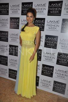 Esha Gupta at Manish Malhotra show at the LFW | PINKVILLA