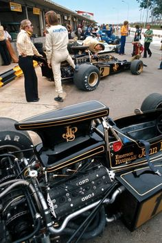 Colin Chapman & Ronnie Peterson, Lotus-Ford 72D, 1973 Brazilian GP, Interlagos