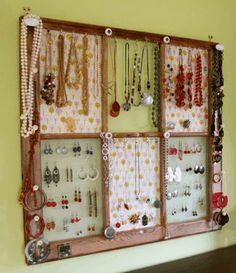 Jewerly display/organizer