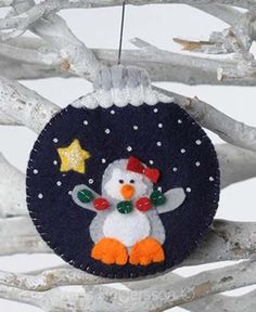 Amazing Home Sewing Crafts Ideas. Incredible Home Sewing Crafts Ideas. Felt Christmas Decorations, Christmas Ornaments To Make, Christmas Sewing, Christmas Projects, Felt Crafts, Handmade Christmas, Holiday Crafts, Christmas Crafts, Felt Projects