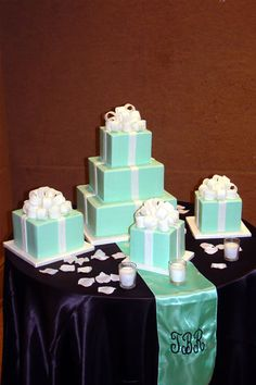 The Tiffany Box Wedding cake Tiffany Blue Cakes, Tiffany Box, Pretty Cakes, Cute Cakes, Beautiful Wedding Cakes, Beautiful Cakes, Wedding Stuff, Wedding Ideas, Wedding Fun
