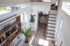 Lots of luxurious details in this solar\u002Dpowered, off\u002Dgrid tiny house.