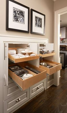 Upgrade your butler& pantry with pull-out shelves! New Kitchen Cabinets, Built In Cabinets, Diy Kitchen, Kitchen And Bath, Kitchen Decor, Kitchen Ideas, Pantry Ideas, Kitchen Pantry, Awesome Kitchen