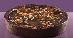#CIOCCOLATO, #MARRONI E #PINOLI  Ingredienti: frolla nera, crema pasticcera, #ganache di cioccolato fondente, marroni e pinoli