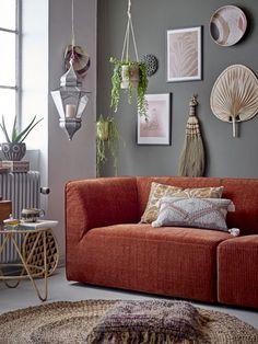 Geef je kale muur een boost met deze prachtige wanddecoratie van ons merk Bloomingville! Perfect als je net even wat anders wil dan een standaard schilderij. De wanddecoratie is uniek en toch gemakkelijk te combineren. Wacht daarom niet langer en breng deze leukerd bij je thuis! Hygge, Cozy Sofa, Extra Seating, Cozy Living, Decoration, Palette, Love Seat, Couch, The Originals