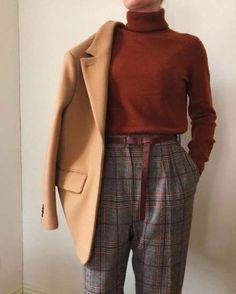 Trendy style vestimentaire hijab - Brenda O. - Anita Henneberger - Trendy style vestimentaire hijab - Brenda O. Fashion Mode, Look Fashion, Hijab Fashion, Trendy Fashion, Korean Fashion, Winter Fashion, Fashion Dresses, Trendy Style, Trendy Clothing