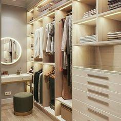 37 Luxury Walk In Closet Design Ideas and Pictures Walk In Closet Design, Bedroom Closet Design, Master Bedroom Closet, Closet Designs, Bedroom Decor, Bedroom Furniture, Closet Clean, Cleaning Closet, Wardrobe Room