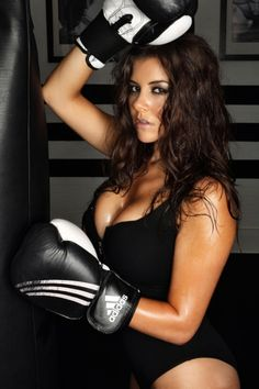 Sexy Photo: Boxing Kitten