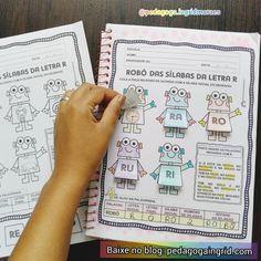 Atividade interativa robô das sílabas da letra R. Atividade para exercitar a consciência fonológica através da percepção dos sons iniciais das palavras.Temos também a análise da letra inicial/final,númerodesílabase separação silábica. Já estou sentindo falta dessa nossa sequência em breve chegaremos no Z ❤️. - - - Para BAIXAR entre no meu blog. Link do blog no meu perfil ou pesquise no Google pedagoga Ingrid Moraes e entre no blog ❤️ - - - #pedagogia #pedagogaingridmoraes #pedagogico #educaç Bullet Journal, Instagram Posts, Letter R Activities, Interactive Activities, Reading Activities, Literacy Activities, Beginning Sounds, Words, Lyrics