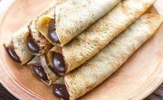 Chocolate crepes - one of our breakfast buffet specialties! Baking Recipes, Cake Recipes, Dessert Recipes, Easy Food To Make, Quick Easy Meals, Unique Recipes, Sweet Recipes, Macedonian Food, Kolaci I Torte