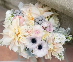 Daily Wedding Flower Ideas (New!) http://www.modwedding.com/2014/08/01/daily-wedding-flower-ideas-new/ #weddings