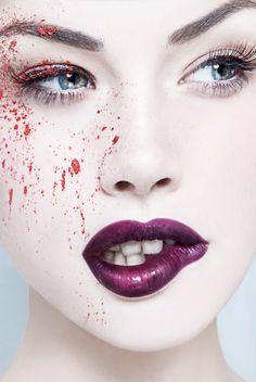 Violet lips & a splash of colour.
