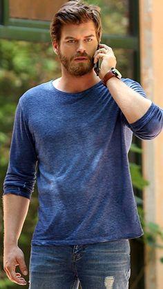 Kivanc Tatlitug Turkish Men, Turkish Beauty, Turkish Actors, Most Beautiful Man, Gorgeous Men, Kurt Seyit And Sura, Pretty Blue Eyes, Evolution Of Fashion, Actrices Hollywood