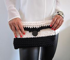 handmade Knitted clutch  black and white clutch by lecosedites