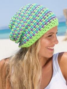 Free My Mountain Pattern Malibu: This lively three-color hat in Schachenmayr original Boston looks like it´s woven. The secret, however, is a fascinating crochet technique. See for yourself: the result is really cool!