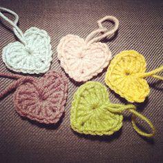 How to crochet hearts:)