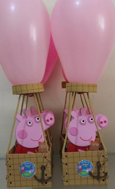 Centro de mesa BALÃO PEPPA PIG | Artes da Lua | Elo7 Princess Peppa Pig Party, Peppa Pig Baby, Halloween Birthday, 2nd Birthday Parties, Birthday Party Decorations, Pig Birthday, Pegga Pig, Peppa E George, George Pig