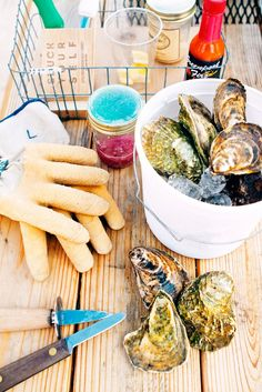 how to serve a raw bar at a party #oysters