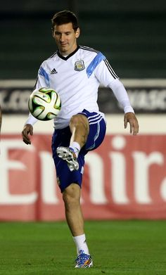 Lionel Messi www.footballvideopicture.com