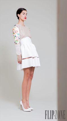 Hussein Bazaza Primavera-Verano 2014 - Pret a porter - http://es.flip-zone.com/fashion/ready-to-wear/independant-designers/hussein-bazaza-4315