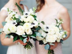 Shelley + Björn are giving us major wedding day goals. Because not only did this food loving pair plan one seriously chic celebration, but they're also pretty darn cool. Take the Bride who wowed guests with an off-the-rackJ.Crew gown that she ordered online (!!), orthe fuss-free restaurant setting serving up family favorites, you're about to […]