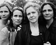 Nicolas Nixon, 1999,the-brown-sisters-take-photo-every-year-for-36-years-25