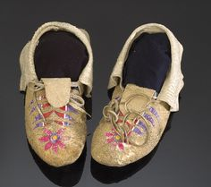 Sioux quilled | Santee Sioux Quilled Hide Moccasins, - Cowan's Auctions