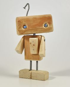 iLA the Alleybot - AlleyLux - wood projects - Holz Ideen Small Wood Projects, Diy Projects, Woodworking Plans, Woodworking Projects, Wood Carving Tools, Kids Wood, Wood Toys, Rustic Wood, Wood Art