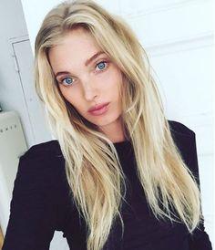Les cheveux blond platine d'Elsa hosk
