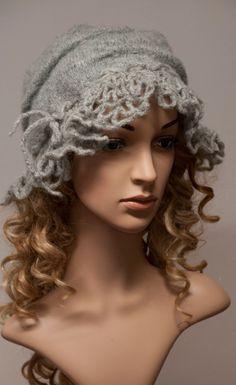 Licht grau Boho Mütze für Herbst und Winter von MargeIilane