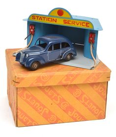 The Leonard Joel Monthly Toy Auction Thursday 26th September 2013 at 12pm AEST #auction #toys #dinky #tin #collectables #melbourne #australia  #film #matchbox