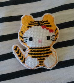 Broche imperdible Hello Kitty tigresa