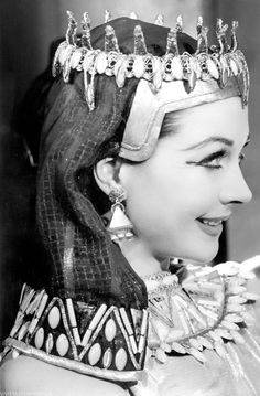 """Vivien Leigh in a stage production of """"Caesar and Cleopatra"""" 1951"""