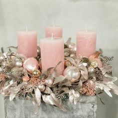 Discover recipes, home ideas, style inspiration and other ideas to try. Rose Gold Christmas Decorations, Pink Christmas Tree, Christmas Candle, Elegant Christmas, Christmas Centerpieces, Christmas Colors, Christmas Tree Decorations, Christmas Wreaths, Christmas Crafts