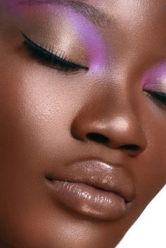 𝒜 𝒫𝑒𝓇𝒻𝑒𝒸𝓉 𝒫𝓁𝒶𝒸𝑒 - continentcreative: Margit Bediako by Cloee Cool Makeup Looks, Gorgeous Makeup, Crazy Makeup, Amazing Makeup, Dark Skin Makeup, Dark Skin Beauty, Sleek Makeup, Black Beauty, Kiss Makeup