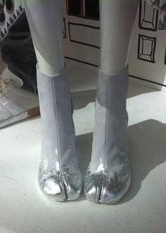 Mason Martin Margiela tabi shoes Exclusive for Le Bon Marché