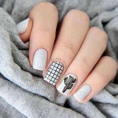 Semi-permanent varnish, false nails, patches: which manicure to choose? - My Nails Nail Swag, Stylish Nails, Trendy Nails, Cute Acrylic Nails, Cute Nails, Hair And Nails, My Nails, Silver Nails, Nagel Gel