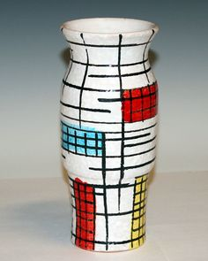 Pottery vase and people on pinterest for Mondrian vase