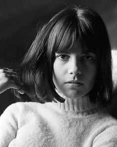 "@ladiesofthe60s on Instagram: ""Chantal Goya 💁🏻♀️ #ladiesofthe60s #1960s #chantalgoya"" Anne Wiazemsky, Age Tendre, Physical Comedy, Geri Halliwell, Biological Father, Karen Elson, Francoise Hardy, Jean Luc Godard, Charlotte Gainsbourg"