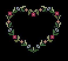 Kalp Desenli Kanaviçe Örnekleri (12)