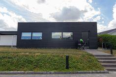 Tilbygning Odense NV - Byggetilladelsen.dk Odense, Garage Doors, Mansions, House Styles, Outdoor Decor, Home Decor, Decoration Home, Manor Houses, Room Decor