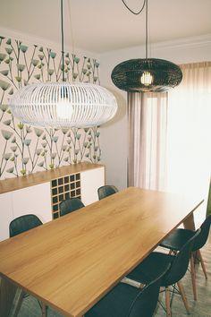 A Sala da Rute e do Francisco #livingroom #lampdetail #tablelight #upcycled #storage #homedecor  #furniture #interiors #interiordesign #homeinspiration #details #homesweethome #homestoriespt #umaobraumahistória