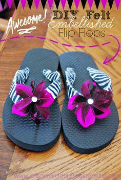 DIY Felt Embellished Flip Flops | www.crazyadventuresinparenting.com | #DIY #felt #flipflops #crafts #tutorial #embellished #feathers #gluegun #kids #cheap